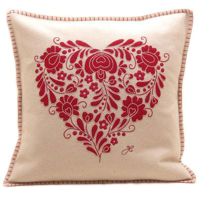 cream-and-red-romany-heart-cushion__13498.1423957851.1280.1280